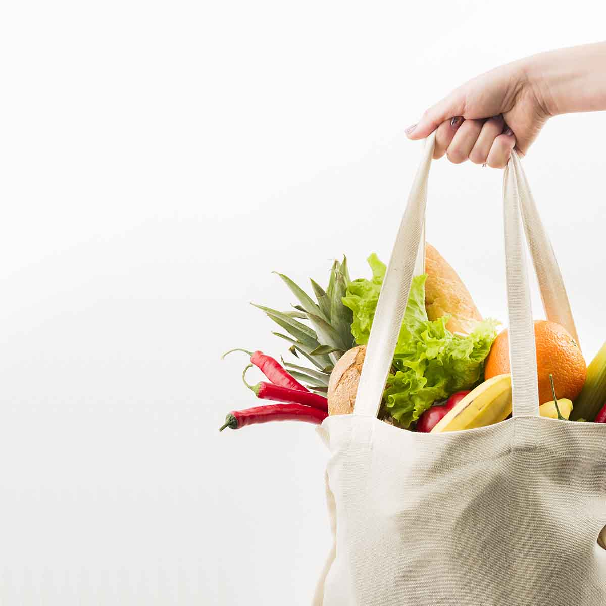 Cesta de verduras y frutas